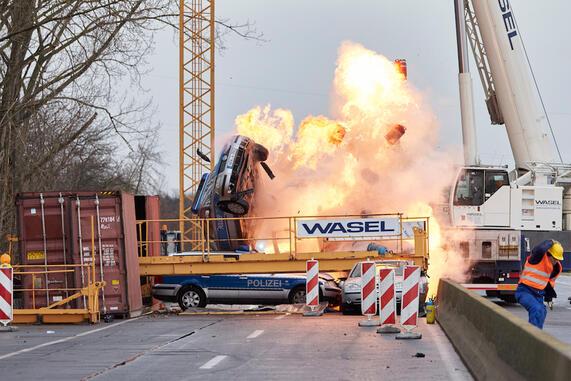 http://www.wasel-krane.de/cms/cache/492bb6de9e710e1e7921ff6eaef5c2f5.jpg